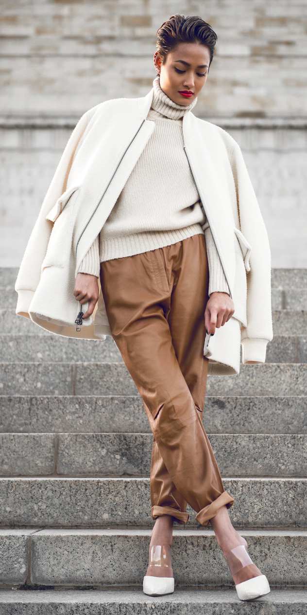camel-joggers-pants-white-sweater-turtleneck-brun-white-shoe-pumps-white-jacket-bomber-fall-winter-lunch.jpg