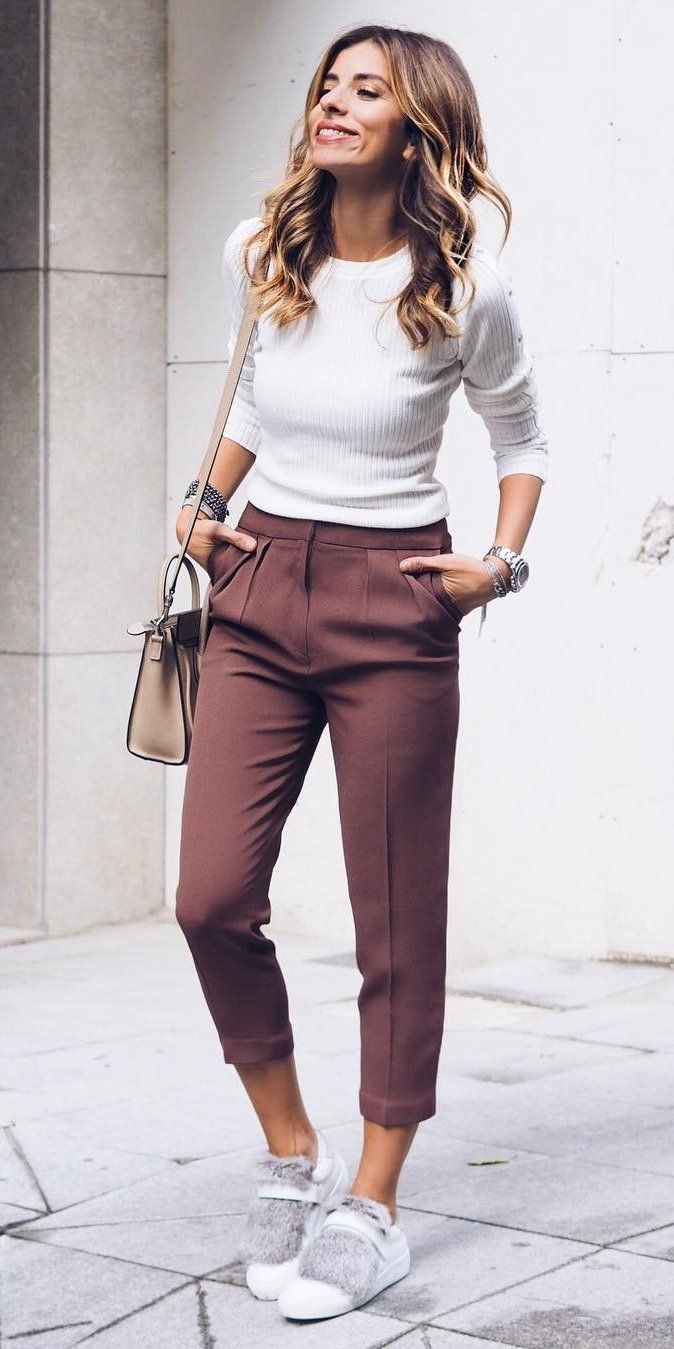 o-brown-joggers-pants-white-sweater-white-shoe-sneakers-tan-bag-howtowear-fashion-style-outfit-spring-summer-hairr-weekend.jpg