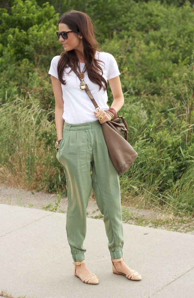 green-olive-joggers-pants-white-tee-brown-bag-tan-shoe-flats-sun-wear-style-fashion-spring-summer-brun-weekend.jpg