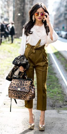 green-olive-joggers-pants-white-top-lace-earrings-sun-tan-bag-leopard-tan-shoe-pumps-metallic-howtowear-fashion-style-outfit-fall-winter-milan-italy-fashionweek-brun-lunch.jpg