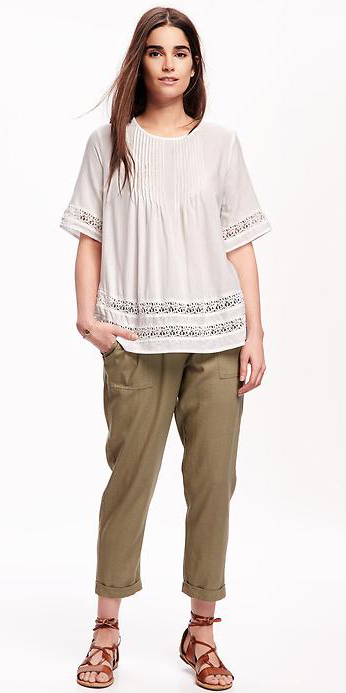 green-olive-joggers-pants-white-top-blouse-peasant-brown-shoe-sandals-wear-style-fashion-spring-summer-brun-eyelet-weekend.jpg