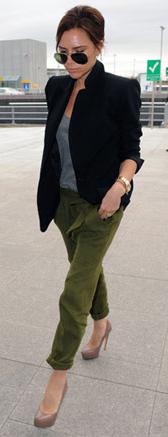 green-olive-joggers-pants-grayl-tee-tan-shoe-pumps-sun-bun-wear-style-fashion-spring-summer-black-jacket-blazer-victoriabeckham-brun-work.jpg