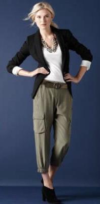 green-olive-joggers-pants-white-tee-black-jacket-blazer-necklace-pony-black-shoe-booties-belt-wear-style-fashion-fall-winter-blonde-cargo-work.jpg
