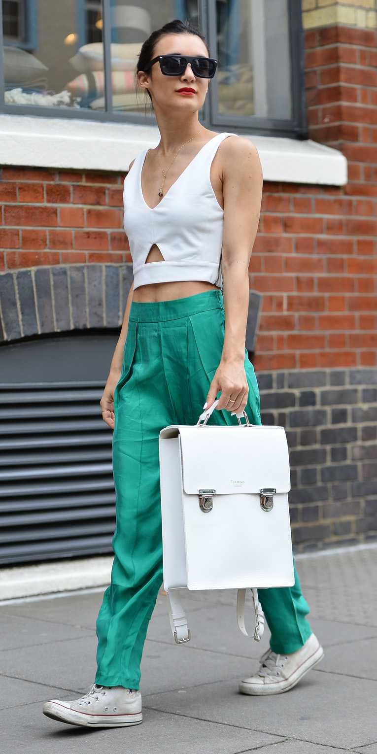 green-emerald-joggers-pants-white-bag-white-crop-top-white-shoe-sneakers-sun-hairr-spring-summer-weekend.jpg