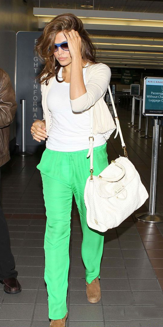 green-emerald-joggers-pants-white-tank-white-cardigan-white-bag-tan-shoe-booties-brun-spring-summer-evamendes-weekend.jpg
