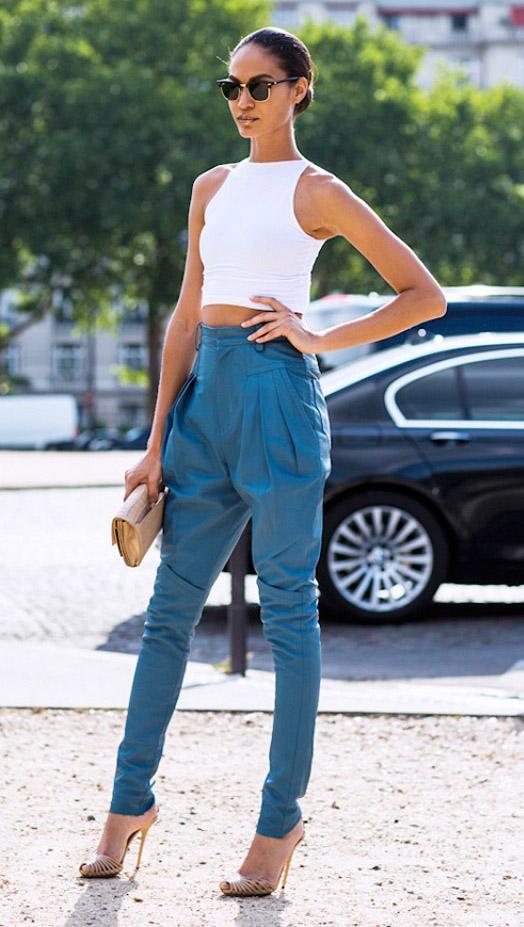 blue-med-joggers-pants-white-top-crop-bun-sun-tan-bag-clutch-tan-shoe-sandalh-howtowear-fashion-style-outfit-spring-summer-brun-dinner.jpg
