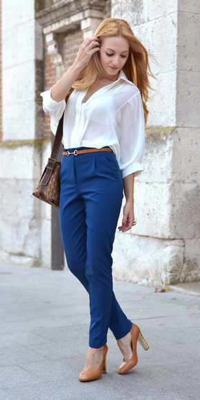 blue-navy-joggers-pants-white-top-blouse-cognac-shoe-pumps-brown-bag-belt-blonde-spring-summer-work.jpg