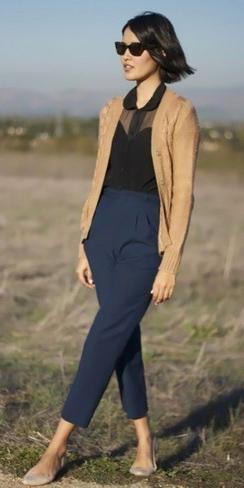 blue-navy-joggers-pants-black-top-blouse-tan-cardigan-tan-shoe-flats-sun-brun-bob-fall-winter-lunch.jpg