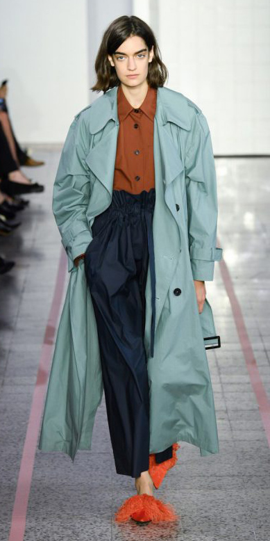 blue-navy-joggers-pants-camel-collared-shirt-hairr-blue-light-jacket-coat-trench-spring-summer-lunch.jpg