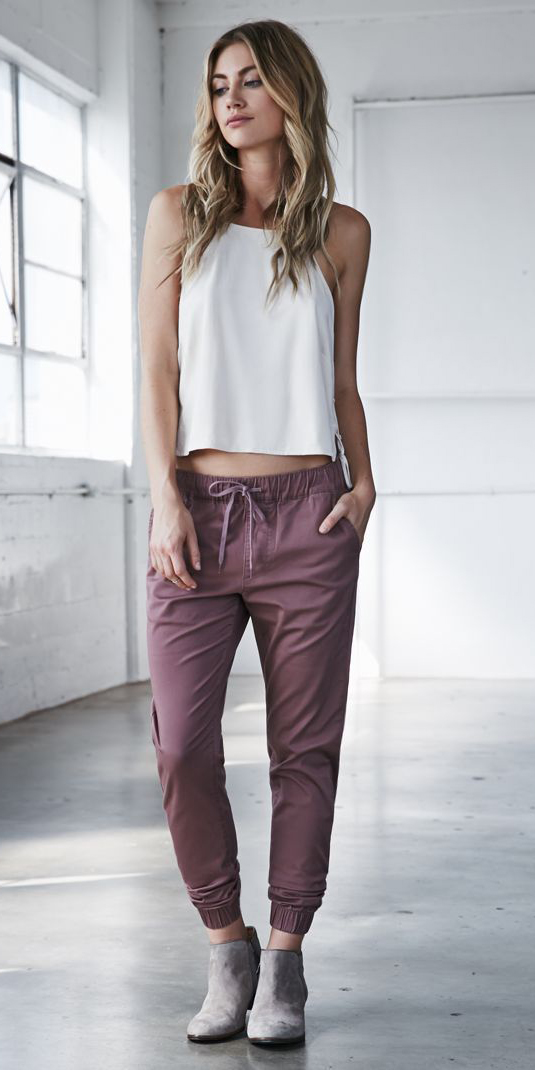 purple-light-joggers-pants-white-top-gray-shoe-booties-howtowear-fashion-style-outfit-spring-summer-hairr-weekend.jpg