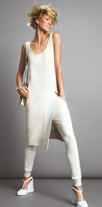 white-joggers-pants-white-top-tunic-karliekloss-white-shoe-sandalw-white-bag-mono-blonde-spring-summer-lunch.jpg
