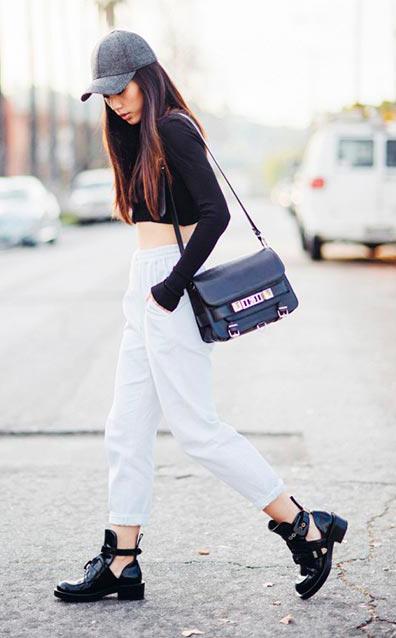 white-joggers-pants-black-tee-crop-black-shoe-booties-black-bag-hat-cap-brun-howtowear-fashion-style-outfit-spring-summer-weekend.jpg