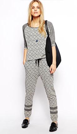 grayl-joggers-pants-zprint-grayl-sweater-black-bag-necklace-wear-style-fashion-spring-summer-black-shoe-loafers-blonde-weekend.jpg