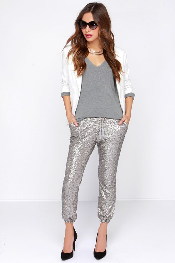 grayl-joggers-pants-black-shoe-pumps-grayl-tee-white-jacket-blazer-hairr-necklace-sequin-fall-winter-dinner.jpg