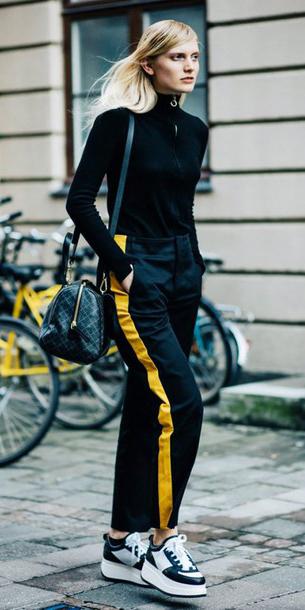 black-sweater-black-bag-blonde-trackpants-black-shoe-sneakers-black-joggers-pants-fall-winter-weekend.jpg