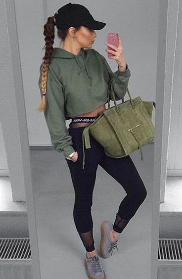 black-joggers-pants-tan-shoe-sneakers-green-bag-tote-green-olive-sweater-sweatshirt-crop-hoodie-hat-cap-braid-pony-fall-winter-weekend.jpg