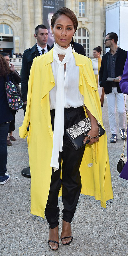 black-joggers-pants-white-top-blouse-tieneck-brun-black-bag-clutch-black-shoe-sandalh-jadapinkettsmith-yellow-jacket-coat-trench-spring-summer-dinner.jpg