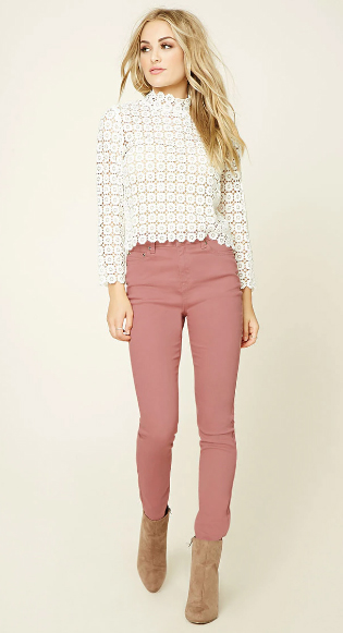 r-pink-light-skinny-jeans-white-top-wear-outfit-fashion-fall-winter-tan-shoe-booties-blonde-lunch.jpg