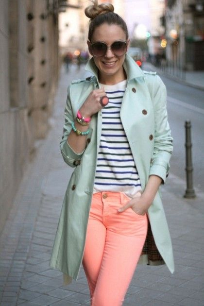 peach-skinny-jeans-green-light-jacket-coat-trench-spring-summer-lunch.jpg