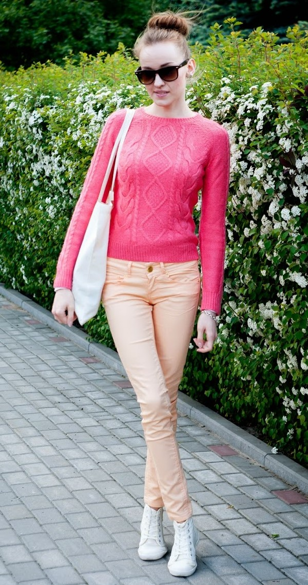 peach-skinny-jeans-pink-magenta-sweater-cableknit-white-shoe-sneakers-sun-bun-hairr-fall-winter-weekend.jpg