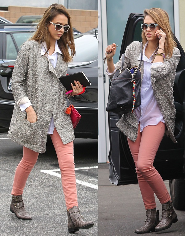 o-peach-skinny-jeans-white-top-blouse-grayl-jacket-coat-brown-shoe-booties-black-bag-sun-howtowear-style-fashion-fall-winter-coatigan-jessicaalba-celebrity-hairr-lunch.jpg
