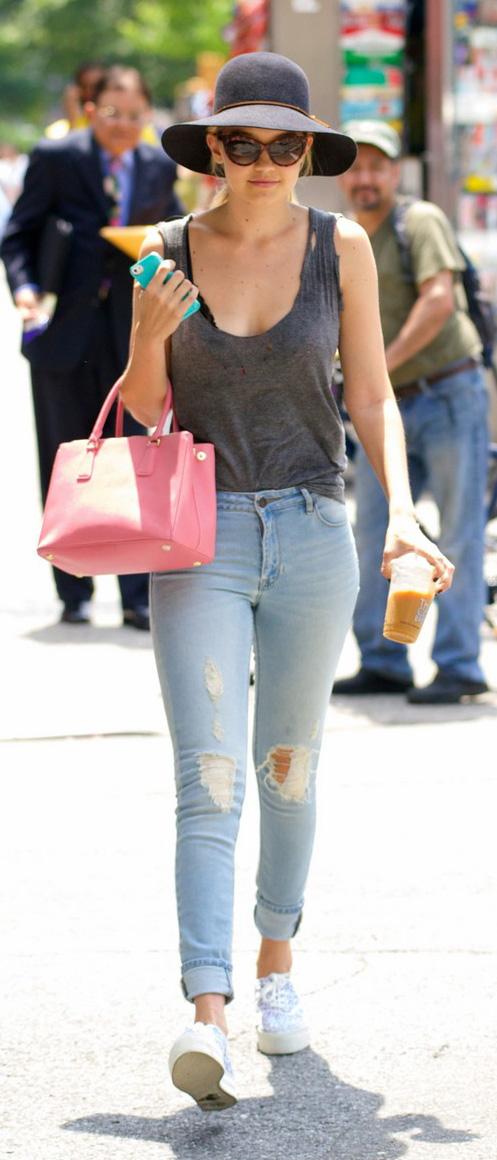 Light blue skinny jeans | HOWTOWEAR Fashion