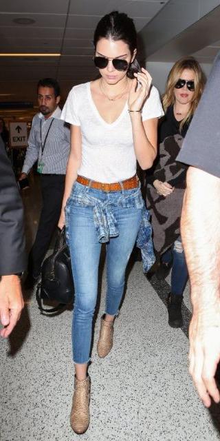 blue-light-skinny-jeans-white-tee-blue-med-plaid-shirt-belt-black-bag-tan-shoe-booties-sun-pony-howtowear-style-fashion-spring-summer-kendalljenner-airport-street-brun-weekend.jpg
