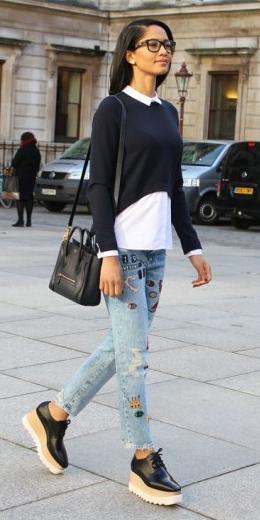 blue-light-skinny-jeans-black-shoe-brogues-white-collared-shirt-platform-layer-black-sweater-fall-winter-brun-lunch.jpg