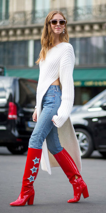 blue-light-skinny-jeans-white-sweater-slit-tunic-red-shoe-boots-sun-fall-winter-blonde-lunch.jpg