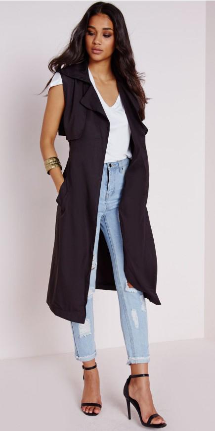 black-vest-utility-blue-light-skinny-jeans-white-tee-brun-black-shoe-sandalh-bracelet-spring-summer-dinner.jpg