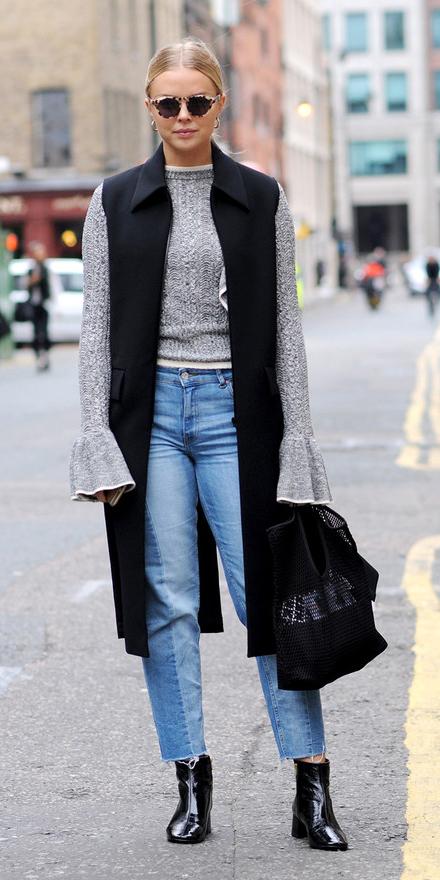 blue-light-skinny-jeans-grayl-sweater-bellsleeve-blonde-sun-black--shoe-booties-black-vest-tailor-black-bag-fall-winter-lunch.jpg