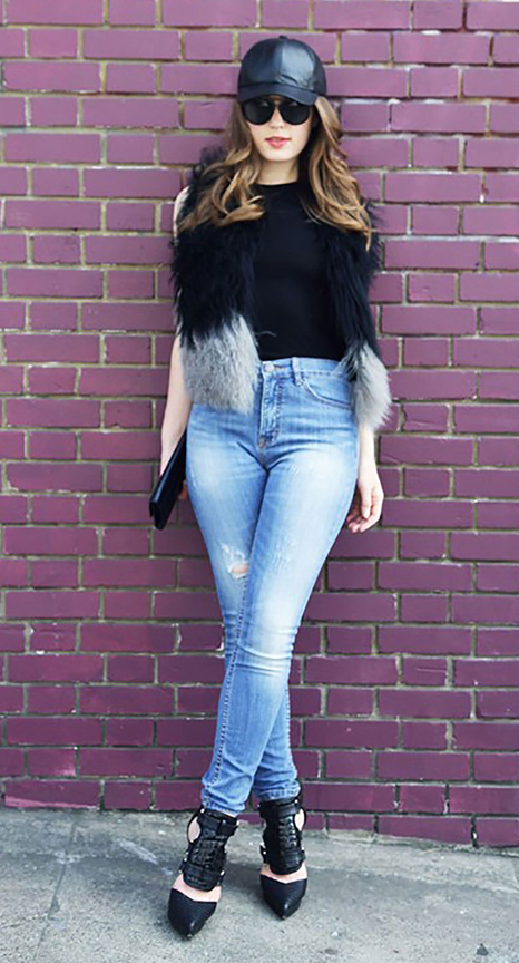 blue-light-skinny-jeans-black-tee-black-vest-fur-sun-hat-cap-black-shoe-pumps-black-bag-clutch-hairr-howtowear-fashion-style-outfit-spring-summer-dinner.jpg