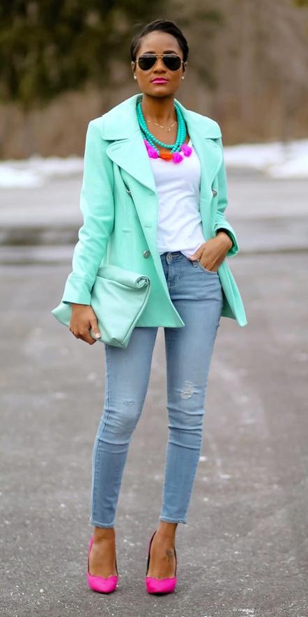 blue-light-skinny-jeans-white-tee-necklace-sun-brun-bun-magenta-shoe-pumps-green-light-jacket-coat-peacoat-fall-winter-lunch.jpg