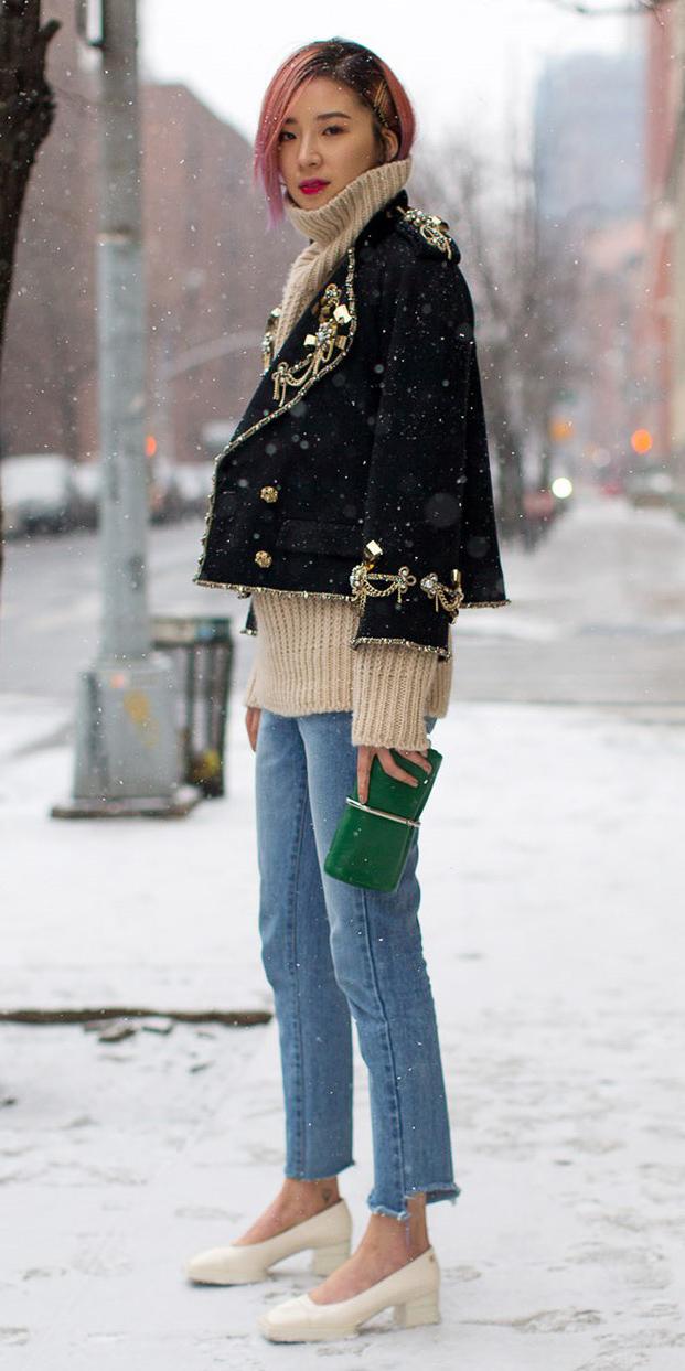 blue-light-skinny-jeans-tan-sweater-turtleneck-black-jacket-blazer-peacoat-pinkhair-green-bag-clutch-white-shoe-pumps-fall-winter-snow-lunch.jpg