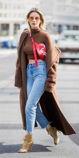 blue-light-skinny-jeans-tan-shoe-booties-red-bag-fannypack-blonde-sun-camel-tee-turtleneck-camel-jacket-coat-streetstyle-fall-winter-lunch.jpg