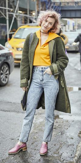 blue-light-skinny-jeans-yellow-sweater-sweatshirt-green-olive-jacket-coat-bob-pinkhair-choker-pink-shoe-loafers-fall-winter-weekend.jpg