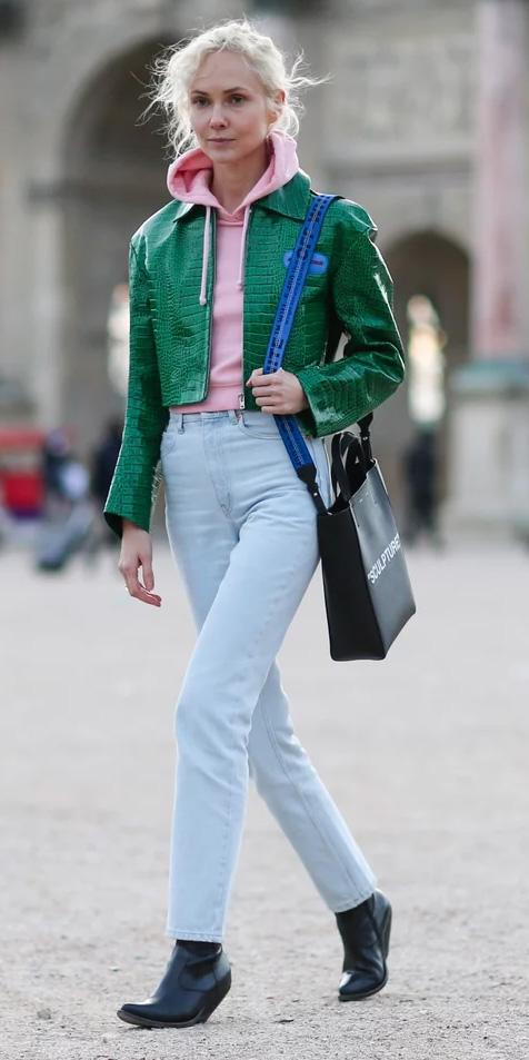 blue-light-skinny-jeans-pink-light-sweater-sweatshirt-hoodie-green-emerald-jacket-moto-blonde-black-shoe-booties-fall-winter-lunch.jpg