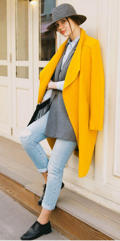 how-to-style-blue-light-skinny-jeans-layer-hat-hairr-pony-grayl-jacket-blazer-yellow-jacket-coat-black-shoe-brogues-fall-winter-fashion-lunch.jpg