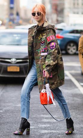 blue-light-skinny-jeans-black-shoe-booties-orange-bag-sun-pony-green-camo-print-olive-jacket-coat-parka-fall-winter-outfit-weekend.jpg