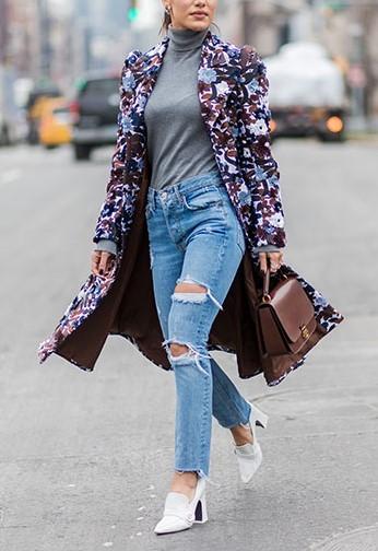 blue-light-skinny-jeans-grayl-sweater-turtleneck-brown-bag-brown-jacket-coat-floral-print-white-shoe-pumps-fall-winter-lunch.jpg