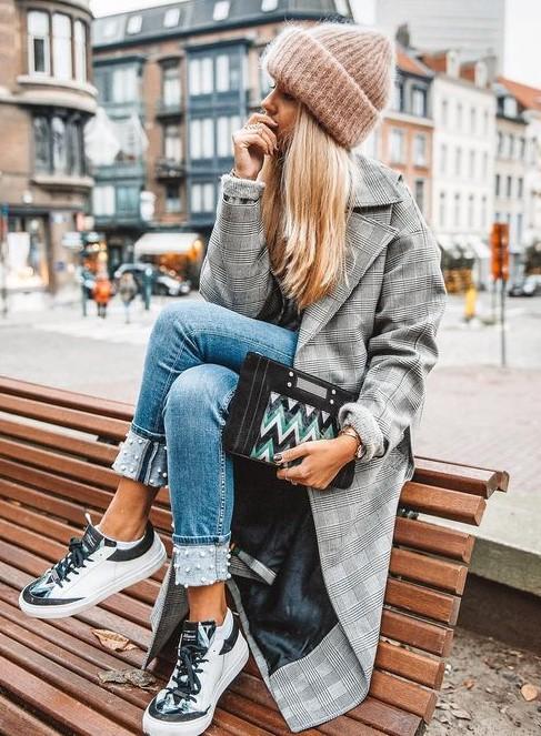 blue-light-skinny-jeans-beanie-blonde-grayl-jacket-coat-white-shoe-sneakers-fall-winter-weekend.jpg