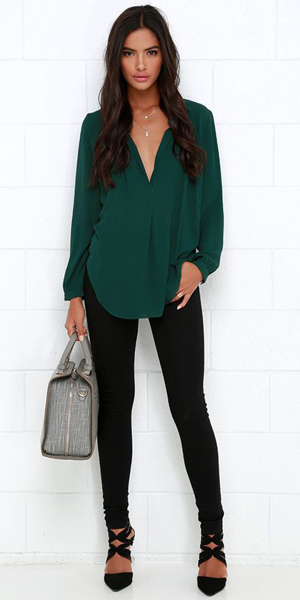 black-skinny-jeans-green-dark-top-blouse-gray-bag-black-shoe-pumps-necklace-howtowear-fashion-style-fall-winter-outfit-brun-work.jpg