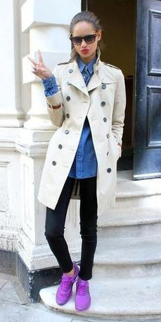 black-skinny-jeans-blue-med-collared-shirt-wear-outfit-fashion-fall-winter-purple-shoe-sneakers-white-jacket-coat-trench-sun-pony-brun-lunch.jpg