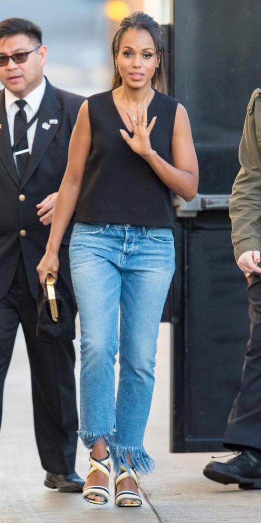 blue-light-crop-jeans-black-top-black-bag-clutch-yellow-shoe-sandalh-wear-fashion-style-spring-summer-sandals-celebrity-kerrywashington-brunette-lunch.jpg