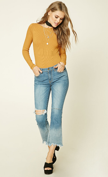 blue-light-crop-jeans-yellow-tee-choker-necklace-black-shoe-sandalh-forever21-wear-fashion-style-fall-winter-blonde-lunch.jpg