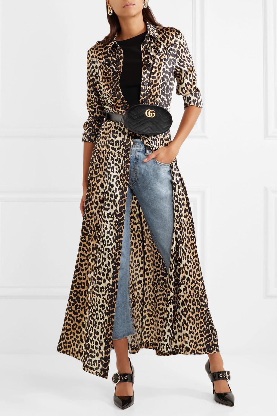 blue-light-crop-jeans-black-tee-tan-dress-shirt-leopard-print-black-bag-fannypack-hairr-earrings-black-shoe-pumps-fall-winter-lunch.jpg