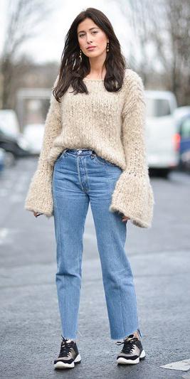 blue-light-crop-jeans-tan-sweater-bellsleeve-black-shoe-sneakers-earrings-howtowear-fashion-style-fall-winter-brun-weekend.jpg