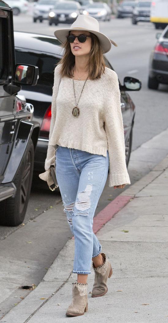 blue-light-crop-jeans-white-sweater-crop-pend-necklace-tan-shoe-booties-sun-model-wear-fashion-style-spring-summer-alessandraambrosio-hat-hairr-lunch.jpg