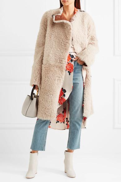 blue-light-crop-jeans-tan-jacket-coat-fur-shearling-white-shoe-booties-white-bag-fall-winter-lunch.jpg