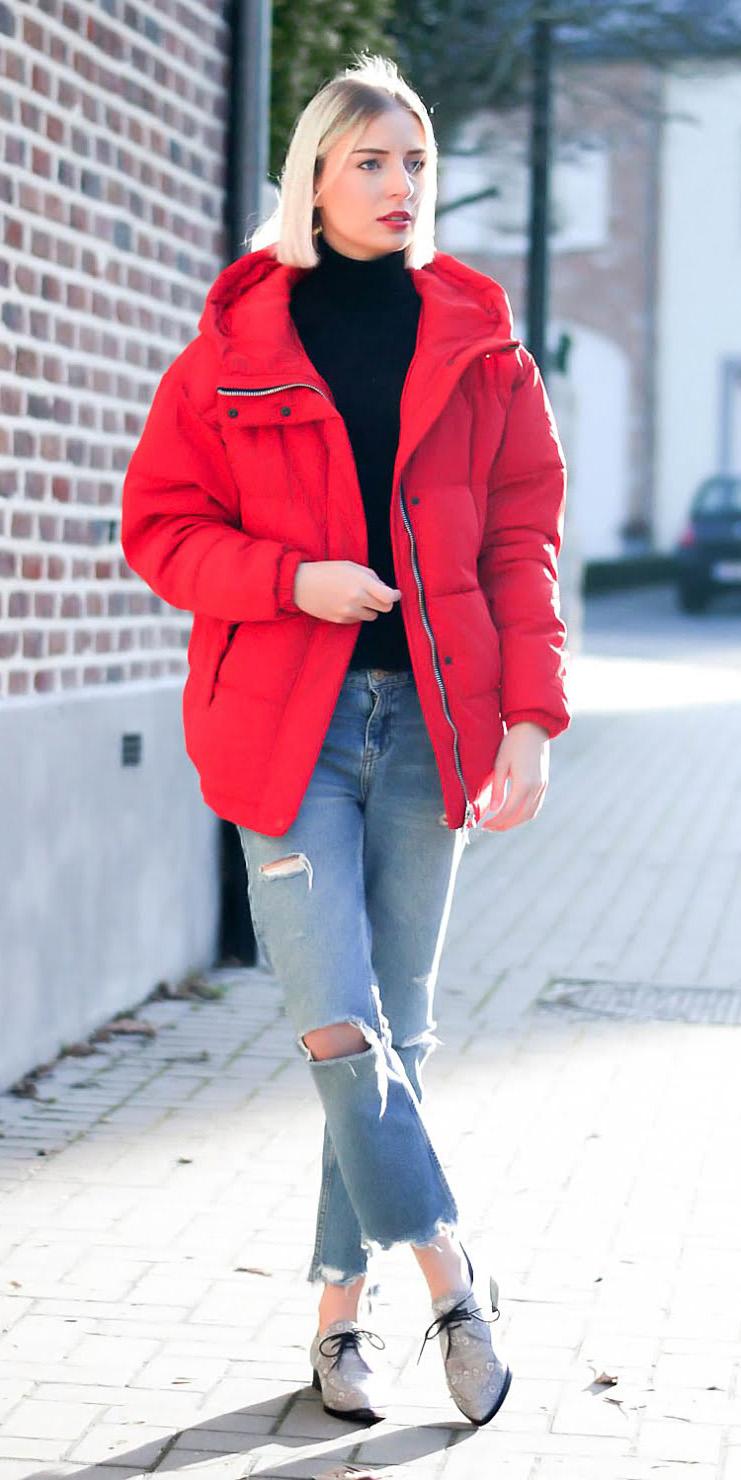 blue-light-crop-jeans-black-sweater-turtleneck-gray-shoe-brogues-red-jacket-coat-puffer-fall-winter-blonde-weekend.jpg